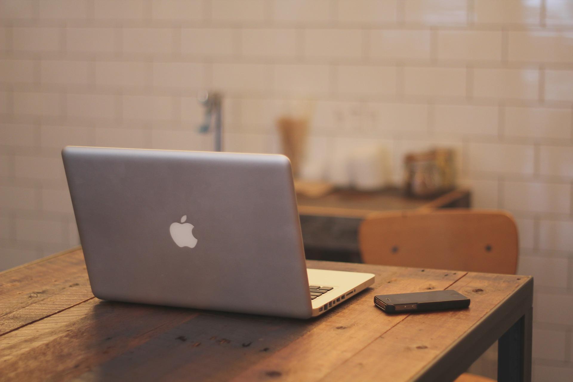 Opter pour une plateforme de blogging payante ou gratuite ?